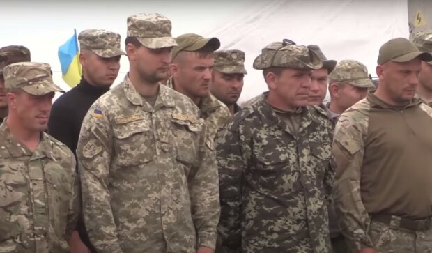 військові, скріншот з відео