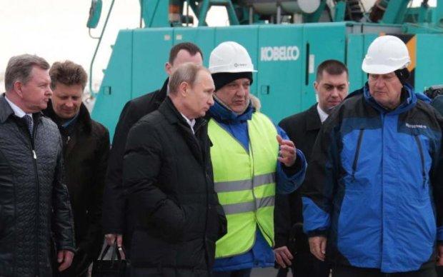 Окупанти закриють кримський міст Путіна