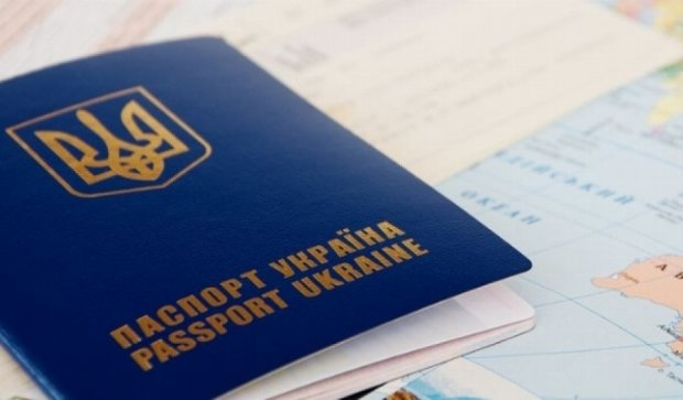 Українці зможуть їздити до Європи без віз у серпні