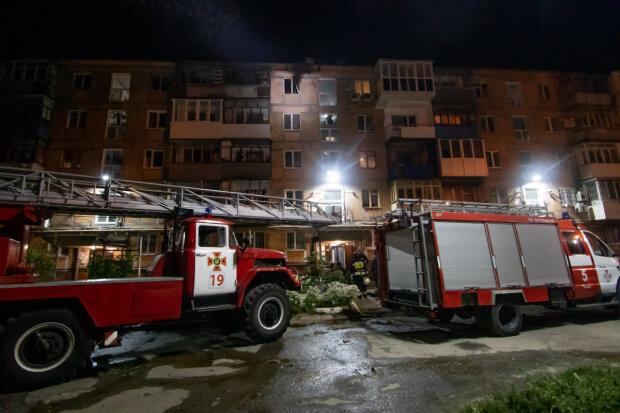 У Дніпрі жінка згоріла живцем, рятувальники примчали за жменькою попелу: на той світ відправив самогонний апарат