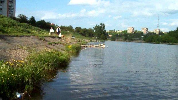 У Харкові з водосховища витягли незвичайного потопельника: просто покотився