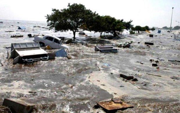 Надвигается цунами: тысячи людей эвакуировали с побережья
