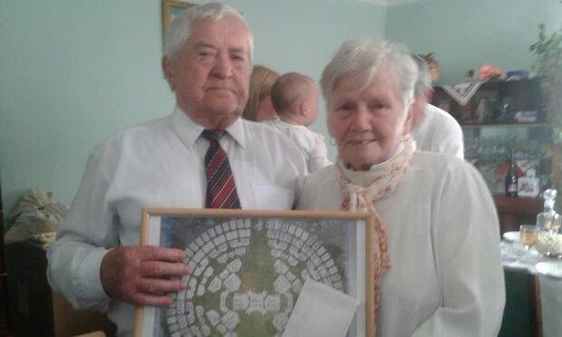 """Супруги из Франковска отметили бриллиантовую свадьбу и получили подарок """"от Бога"""" - 60 лет душа в душу"""