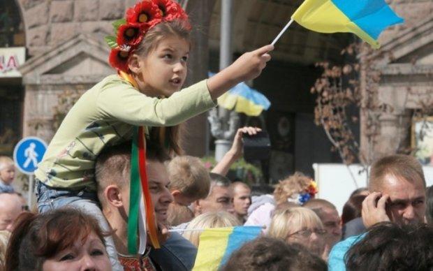 Соцопитування: скільки українців вважають рідною державну мову