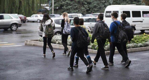 Школярі, фото: скріншот з відео