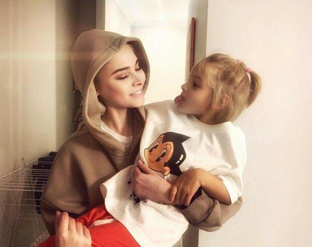 Олена Шишкова з донькою, фото: Instagram