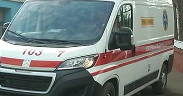 Українець помер у черзі на кордоні з Польщею