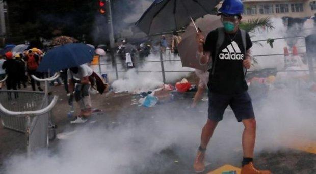 Дайте відсіч спекулянтам: тисячі розлючених громадян паралізуваи вулиці, поліція втрачає контроль