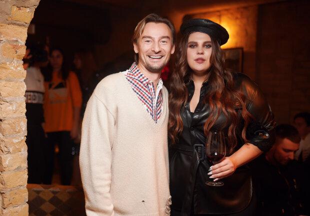 Алан Бадоев и солистка KAZKA Саша Зарицкая