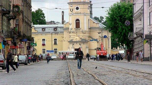 Львів'яни, обходьте десятою дорогою: копи назвали топ найнебезпечніших вулиць