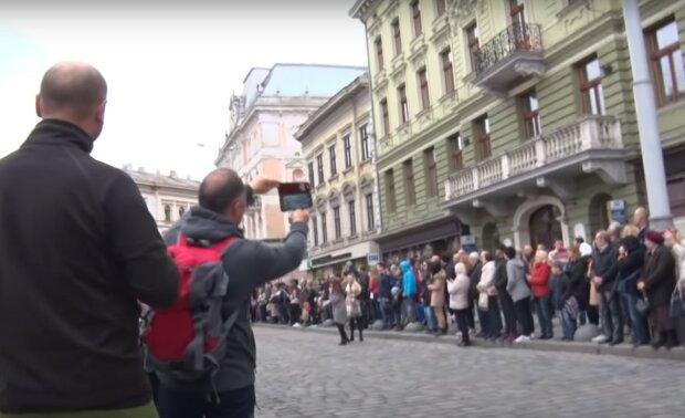 во Львове, скриншот из видео
