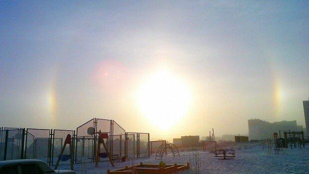 У небі над Києвом з'явилося три сонця: що відбувається
