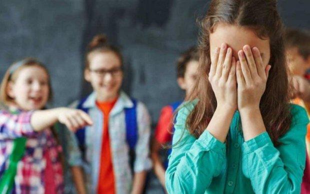 Защити своего ребенка: в Украине введут наказание за издевательства в школе