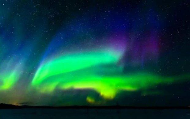 Гости из космоса: аномальную вспышку в небе засняли на видео