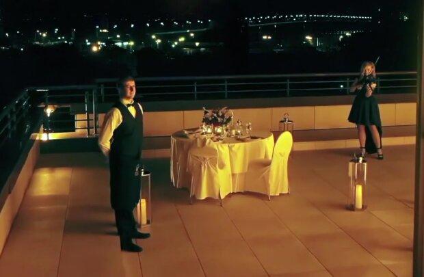 Романтический ужин, скриншот из видео