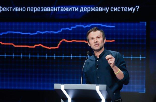 """Вакарчук звинуватив Порошенка в атаках: """"Брудні методи"""""""