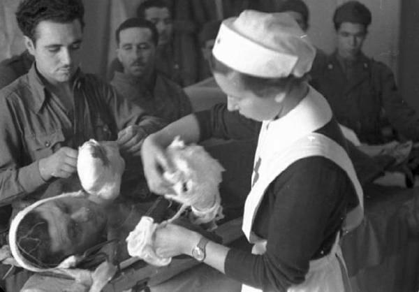Дніпрянка врятувала від концтабору сотні поранених в Другу світову - красуня в білому халаті наплювала на страх і фашистів
