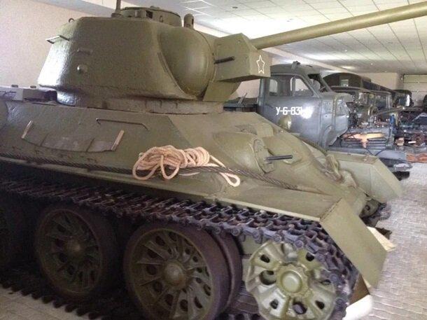 Пережил Гитлера и Сталина: легендарный танк Т-34 отдают в сети за 50 тысяч