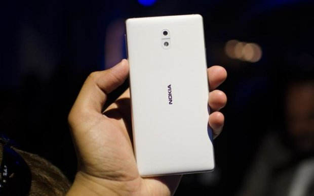 Титанічний флагман: у мережу злили знімки Nokia 9