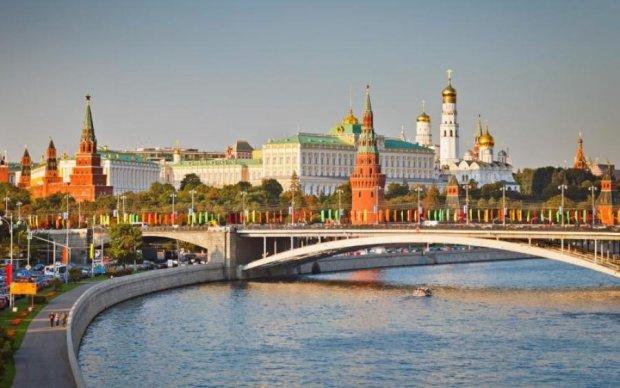 Москва на ушах: грузовик протаранил пешеходов