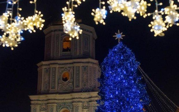 Поразительно: в сети показали самые красивые рождественские елки Украины