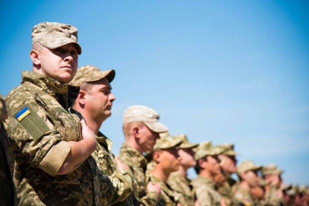 Прострелили обе ноги: в Киеве военные схватились за пушки, видео экшна