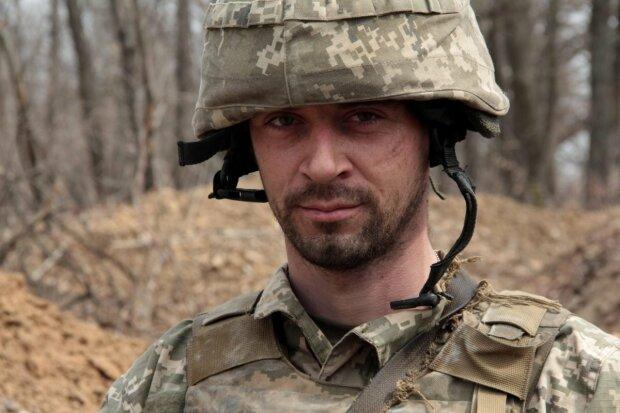 """Мужественный украинец """"поселился"""" на Донбассе 7 лет назад и улыбнулся родным: """"Пока война..."""""""