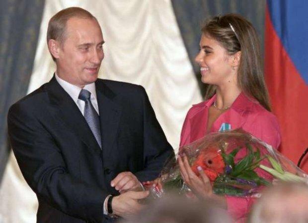 Путін зник, бо Кабаєва в Швейцарії  народила дитину?