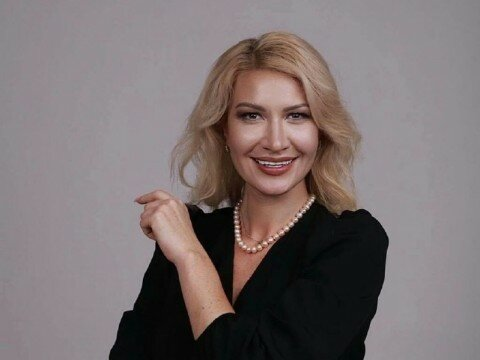 """На Київщині мером стала """"клон"""" Верещук - знайди десять відмінностей"""