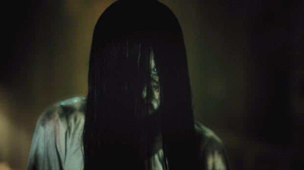 Таємнича дівчина тероризує ночами хлопця: я навіть не впевнений, що це жива людина