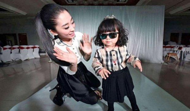 Мама одела двухлетнюю дочь на 160 тысяч долларов