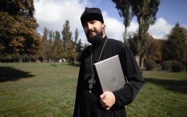 Стрельба в центре Киева: неизвестные напали на священника