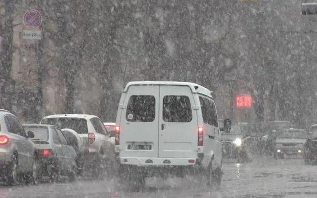 Справжня зима прийшла в Харків: відео
