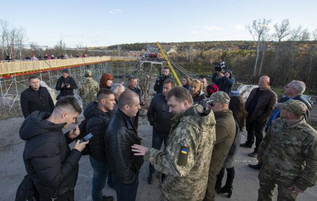 """Розведення сил на Донбасі під загрозою зриву: бойовиків """"ДНР"""" спіймали на гарячому"""