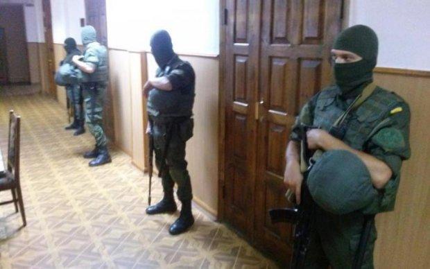 Харківський суддя водився з терористами і поплатився
