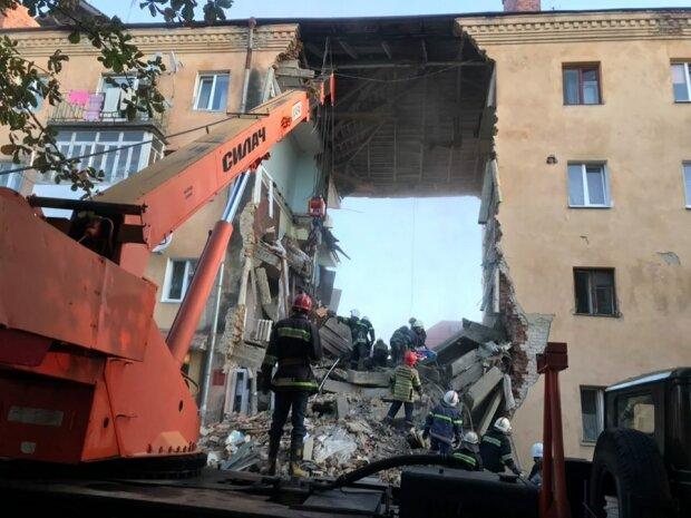 Украина скорбит: адский взрыв на Львовщине унес жизни двоих людей, шансов не было