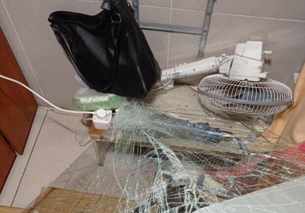 """В Киеве неадекваты вдребезги разнесли станцию, все ради экономии 8 грн: """"Не надо было спрашивать"""""""