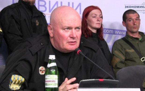 """Преступники в форме: экс-комбат """"Донбасса"""" отрекся от ордена Нацгвардии"""