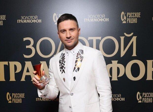 """Ухажера Лорак заподозрили в нетрадиционной ориентации: на чем """"спалился"""" Лазарев"""