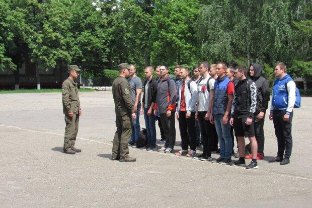 Осенний призыв в Харькове: сколько новобранцев пополнят ряды ЗСУ в этом году