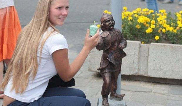 В Луцке похитили скульптуру кликуна (фото)
