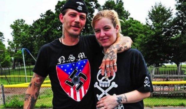 Життя пожартувало: у пари неонацистів народилась чорношкіра дитина