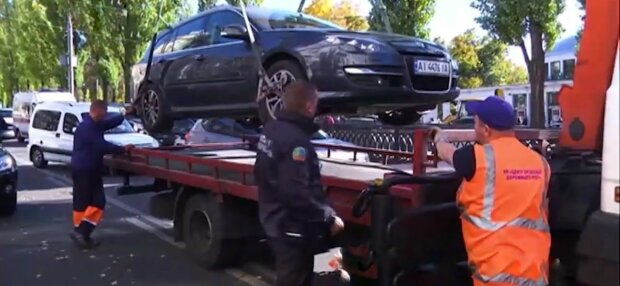 Эвакуация авто, фото: скриншот из видео