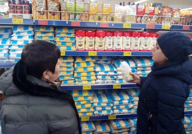 """Супермаркет """"АТБ"""" заполонили переносчики чумы, украинцы в ярости: кадры не для слабонервных"""