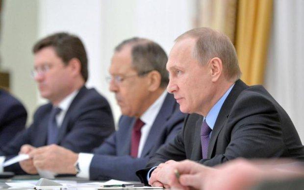 У Путіна ніяк не вгамуються через візи з Україною