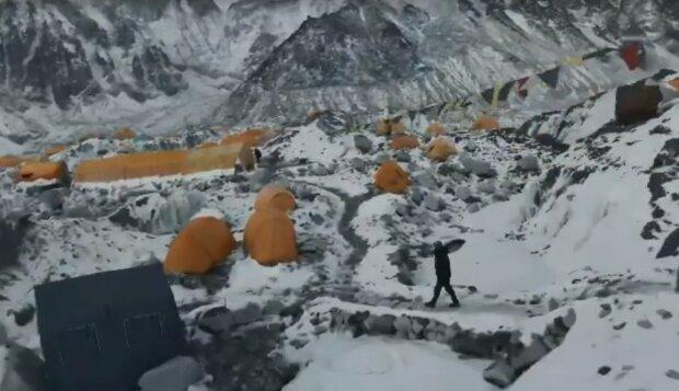 привал в горах, скриншот из видео