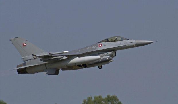 Данія підняла винищувачі для перехоплення російських бомбардувальників