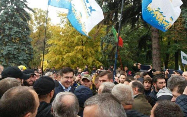 Саакашвили приехал под Раду и поделился планами