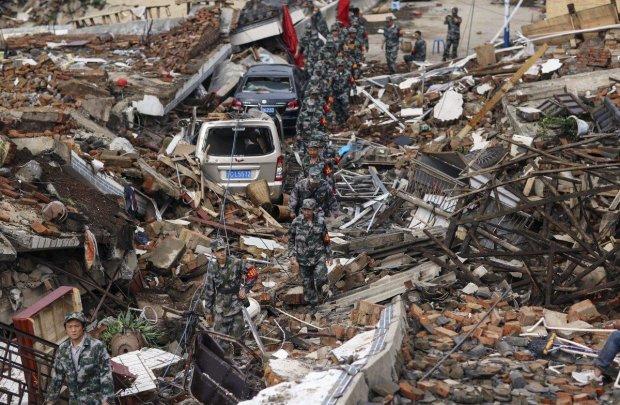 """Беспощадная стихия разрушает целые города, десятки погибших и раненых: """"Обваливаются крыши"""""""
