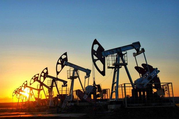 Нафта дешевшає з шаленою швидкістю: експерти назвали причину, і вона вам не сподобається